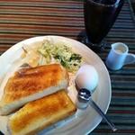 ギオン - アイスコーヒー+モーニングのトーストセット