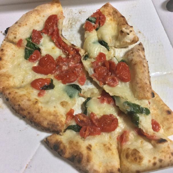 サルバトーレ ピザ