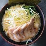 すずき家 - 料理写真:2020年3月 醤油ネギチャーシューメン 1050円