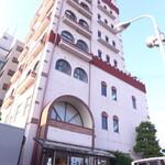 128974053 - 敦賀ヨーロッパ軒。なんと7階建の自社ビルだが、現在は2階のレストランだけ稼働している様子