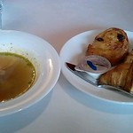 12898919 - ランチセットのパンとスープ