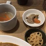 カフェバー Lit - スープと小鉢2種
