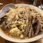 麺とび六方 - ラーメン780円麺カタメ野菜少なめニンニクアブラ増し