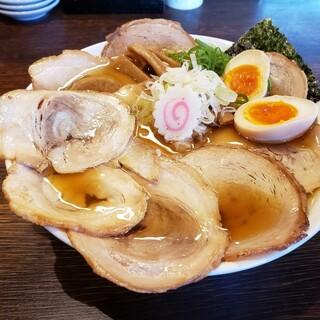 麺や 紡 - 料理写真:大盛り淡成らー麺 味玉とチャーシュー