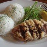 フラミンゴス - FLAMINGOS 鶏ムネ肉のパン粉焼