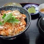 ひと粒 - 綾部の有精卵たっぷり使った親子丼定食 980円
