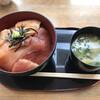ぱくぱく亭 - 料理写真:とろびんちょう丼(とろびんちょう+赤身) 大盛 みそ汁付き