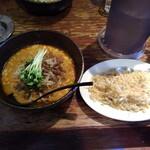 らーめん かみ屋 - 料理写真:坦々麺+半チャーハン