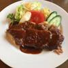 グリル大阪 - 料理写真:牛かつ英国風 (サラダ添)