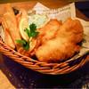 UPPER HOUSE - 料理写真:ウチに来たらこれ食べなきゃソン★【~ストーン家直伝~Fish&Chips¥680】