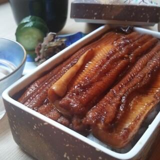 京穴子重・お弁当のご注文承っております。