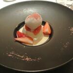 リストランテ カノフィーロ - 桜のパンナコッタ 苺のソルベとホワイトチョコレートのソース