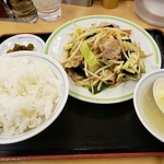 ジロー's テーブル - 肉野菜炒め定食690円+ライス大盛70円!