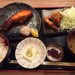 初代築地 魚義 - 本日の焼き魚とタコの唐揚げ (内容はスタッフまで!)