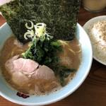 横浜家系 龍 - 料理写真: