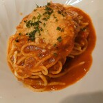 ヴェルドゥーラ - モッツァレラチーズとジェノベーゼのトマトソース