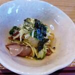 和食ながい - お通しのホタルイカと水菜のわさび浸し