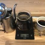 ビートカフェ - 朝10時まではブレンドコーヒーが300円。