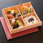 折り箱弁当