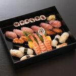 にぎり寿司 特上 三人盛り