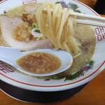中華そば ひらこ屋 - 麺上げ(せあぶら中)