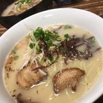 らーめん 秀 - 料理写真:らーめん セット・麺大盛(850円)