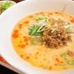 龍口酒家 - 担々麺