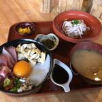 つるや食堂 - アオリイカとアカモクとバイ貝の丹後お宝丼 期間限定の特別版 訪問時期は12月中旬