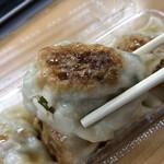 手作り餃子専門店 くるみ屋 - オリジナル餃子