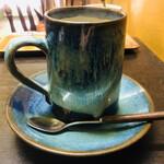 カフェハイチ - 芸術品のようなコーヒーカップ