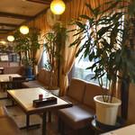 リバー - 1976年創業の老舗、いかにも昭和レトロな