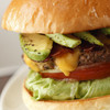 レッグオンダイナー - 料理写真:こだわりのアボカドとベーコン、チーズの入った当店看板メニュー!