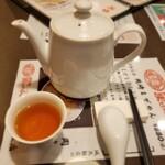 城北飯店 - ドリンク写真:温かい美味しいお茶