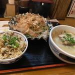 沖縄食堂チャンプル×チャンプル - ご飯を炊き込みに。