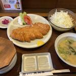 とんかつ専門店 恵庭屋 - ローとんかつ定食