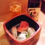 12917592 - 海鮮丼(一の重)+中瓶ビール(赤星)