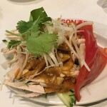 DRAGON酒家 - 胡麻香る炙り棒棒鶏 700円