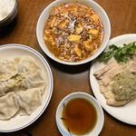 中国料理・熊猫食堂 - しゃれたお皿がない