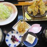 山田屋食堂 - アジフライ定食 900円