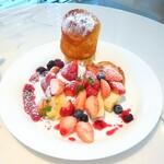 フルーツピークス - 料理写真:ベリーベリーパンケーキ