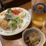 とんかつ あじろ - 本日の一品(山菜の天ぷら&メンチ)(ホタルイカ)