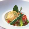 サンス・エ・サヴール - 料理写真:プルセル兄弟のスペシャリテ「120度でゆっくり柔らかく蒸し焼きにした真鯛 旬の季節野菜とソース・シトロンコンフィー