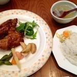 ビアカフェあくら - 日替りランチ¥900