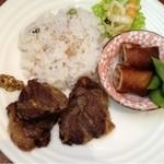 ビアカフェあくら - 牛ほほ肉ステーキ¥900