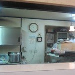 梁山泊 - 厨房撮影!息子さんがやる焼き豚卵飯が超ハイスピードの調理時間!