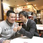 北京 - 本日の同行者(食べ手)は、筒井俊作(キャラメルボックス)&タカオくん(ジャーマネ)。【掲載許諾済】