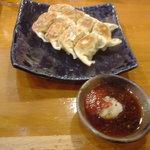 桜吹雪が風に舞う - 餃子(赤味噌)