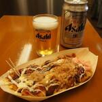 浪花屋 - ビール&たこ焼き8個(ソースとマヨネーズ)