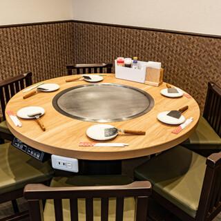 特許を取得した鉄板付きの丸テーブル!