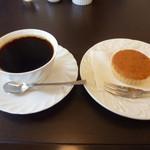 12922958 - コーヒーと塩麹マドレーヌ